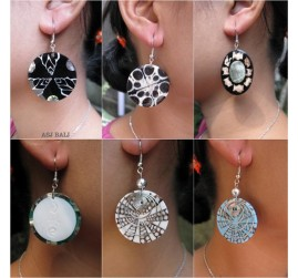 6 model seashells earrings organic resin handmade