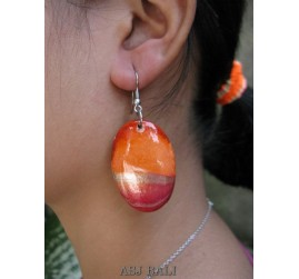 coloring wooden earrings hand painting design