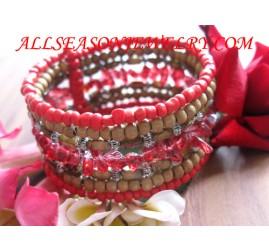 beaded woman bracelet