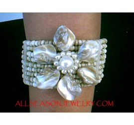 Natural Bead Flower Bracelet