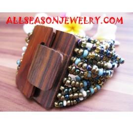 Woods Buckle Bead Bracelet