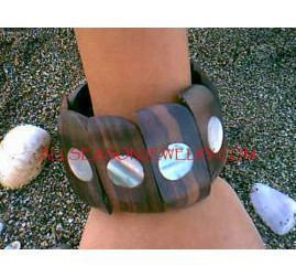Organic Wood Shells Bracelet