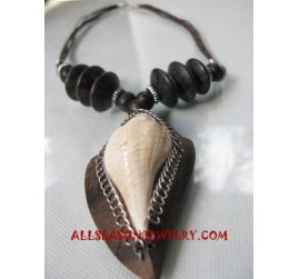 Shells Wood Necklaces