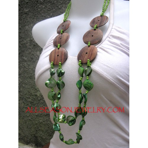 Timber Shells Necklace