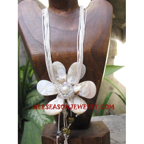 Flower Seashell Necklaces