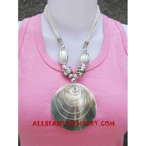 Mother Pearls Seashell Necklaces