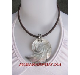 Shells Necklace Carving