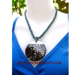 beading necklace pendant
