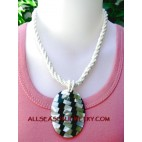 bead shell necklace pendant