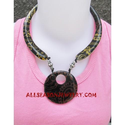 Choker Pendant Necklace