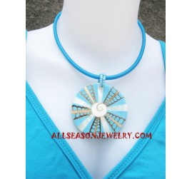 Necklace Seashells Resin