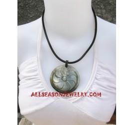 Necklaces Pendants Carving