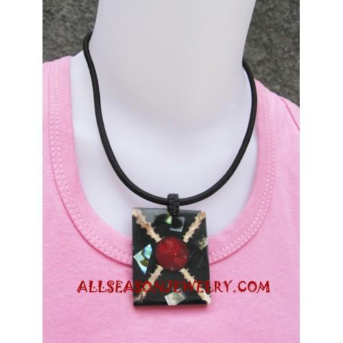 Pawa Seashell Necklace