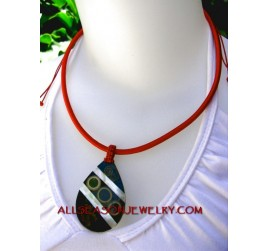 pendants shell necklaces