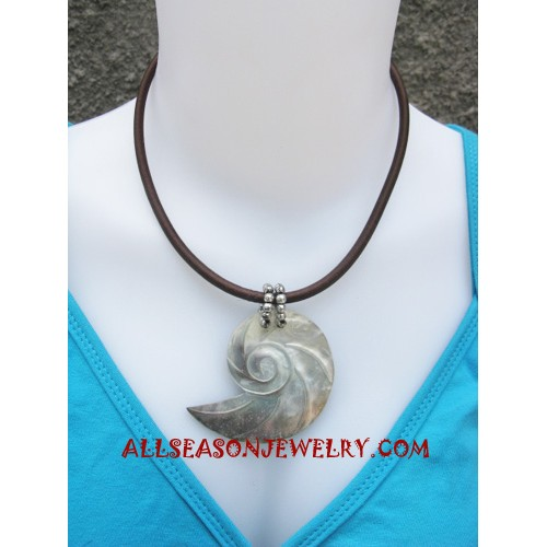 Shell Necklaces Carving
