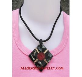 Shell Pawa Necklace