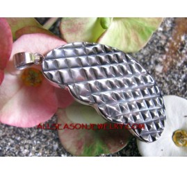Silver Pendant Carving Shell