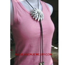 Necklace Leather Flower