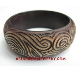 Carving Wooden Bangles
