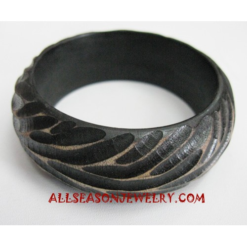 Wooden Bangles Carving