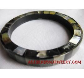 Bangle Shell Pearls