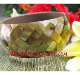 Fashion Seashell Bangle