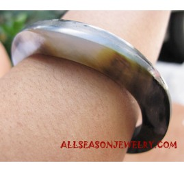 Fashion Shell Bangle