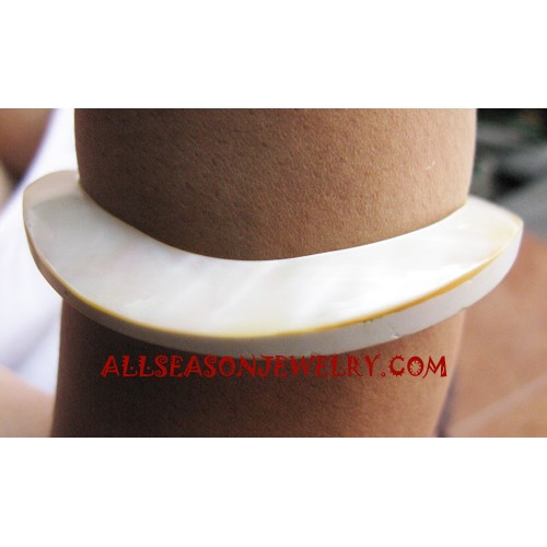 Natural Seashell Bangle