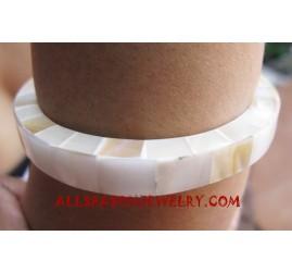 Pearls Shell Bangle