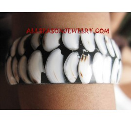 Resin Bangle Seashells