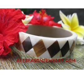 Small Seashell Bangle