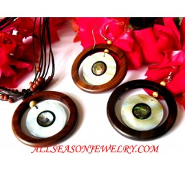 Wood Pearl Jewel Set