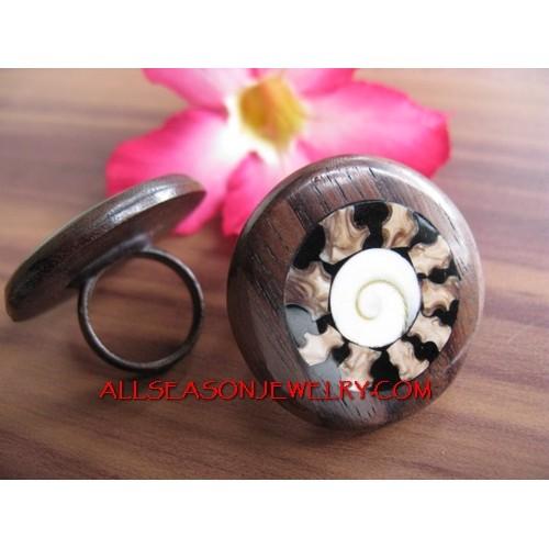 Organic Wood Ring Resin with Seashells