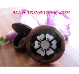 Seashell Wooden Finger Ring Flowers Design
