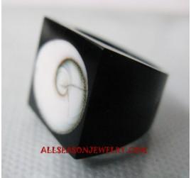 Seashell Rings Resin
