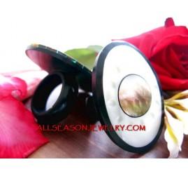 siva eyes rings shells
