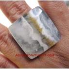Organic Stone Finger Ring
