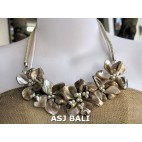 nuged shells beads beige flowers necklace bali